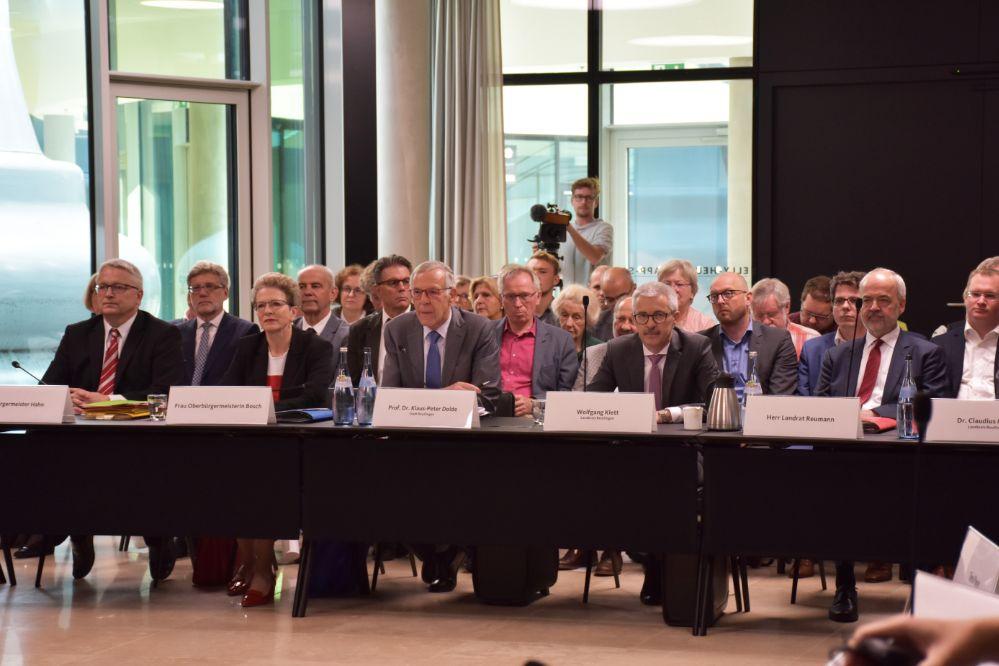 Anhörung zum Antrag auf Stadtkreisgründung im Bürger- und Medienzentrum des Landtags von Baden-Württemberg