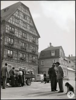 Kartoffelmarkt am Spendhaus 1963.