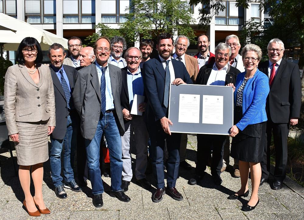 Im Mai 2018 wurde die Städtefreundschaft zwischen Reutlingen und Pistoia offiziell besiegelt. Jetzt gab es ein erstes Treffen mit Oberbürgermeisterin Barbara Bosch und Bürgermeister Alessandro Tomasi.