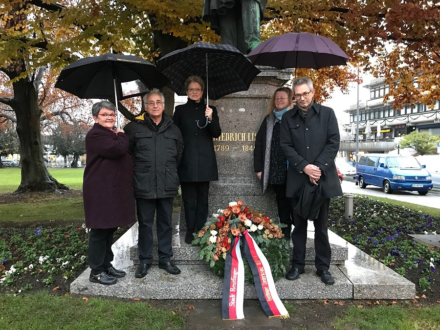 Kranzniederlegung am Friedrich List Denkmal