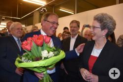Oberbürgermeisterin Barbara Bosch gratuliert Thomas Keck