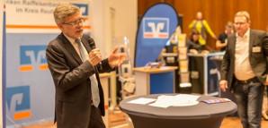 Wirtschaftsbürgermeister Alexander Kreher auf der Gründermesse Neckar-Alb