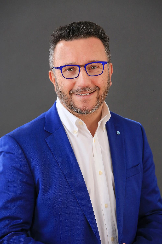 Portrait von Roannes Bürgermeister Yves Nicolin