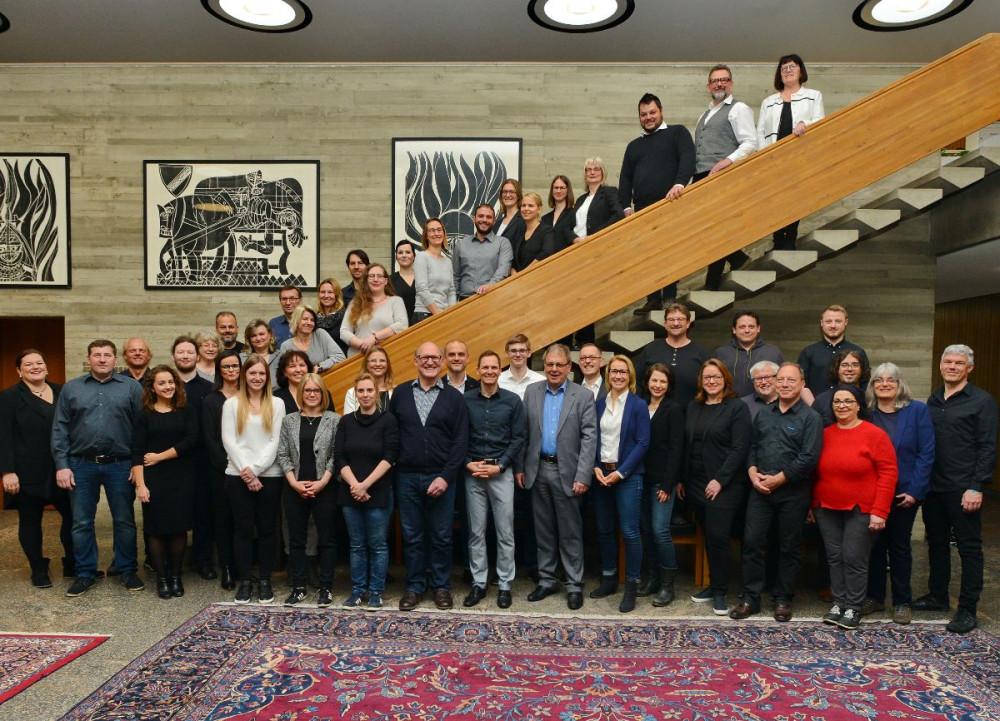 Gruppenbild Mitarbeiter Gebäudemanagement mit OB Thomas Keck