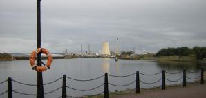 Der Manchester-Ship-Canal mit Blick auf das Industriegebiet