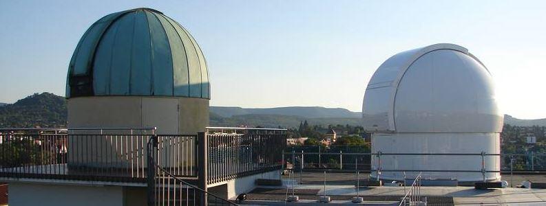 Sternwarte Reutlingen – zwei kuppelartige Türme auf dem Dach der Sternwarte