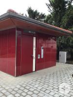 barrierefreie Toilette im Rosengarten Außenansicht