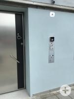 barrierefreie Toilette am ZOB Außenansicht