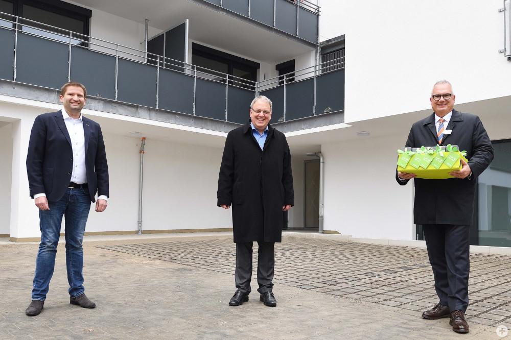 Bezirksbürgermeister Frank Hofacker,Oberbürgermeister Thomas Keck und GWG-Geschäftsführer Ralf Güthert
