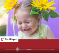 """Foto Kind mit Sonnenblumen zum Radiospot """"Sonnenblume"""""""