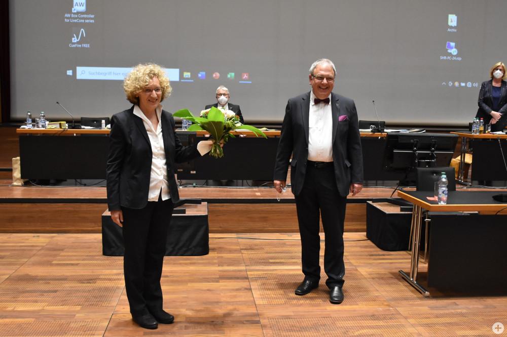 Angela Weiskopf mit Oberbürgermeister Thomas Keck