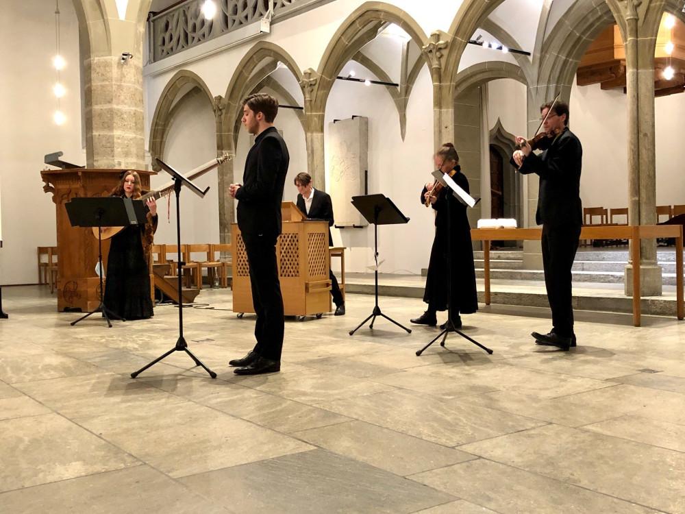 Capella vocalis in Aarau 2021 - vier Musiker spielen in einer Kirche