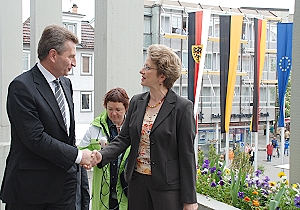 Oberbürgermeisterin Barbara Bosch begrüßt Ministerpräsident Günther H. Oettinger